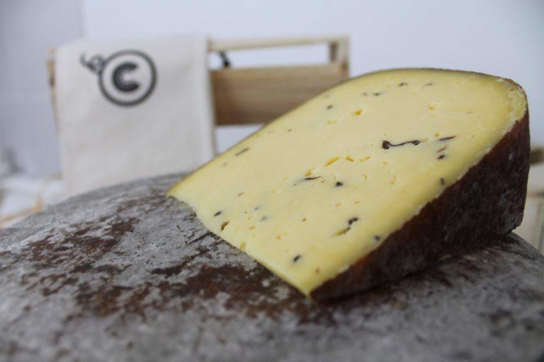 Fromagerie à Paris fromage livraison dood deliveroo epicery uber eats raclette planche